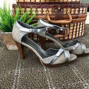 NWOT Anne Klein new high heeled shoes